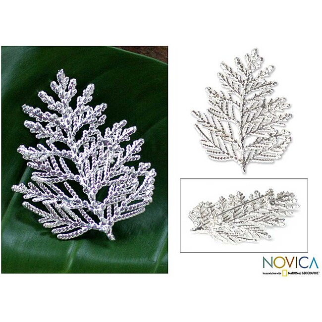 Handmade Silverplated 'Cypress Honor' Natural Leaf Brooch Pendant (Thailand)