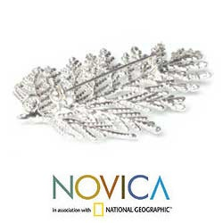 Handmade Silverplated 'Cypress Honor' Natural Leaf Brooch Pendant (Thailand) - Thumbnail 2