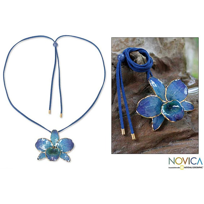 Handmade Gold-accented 'Elegant Blue' Natural Orchid Long Necklace (Thailand)