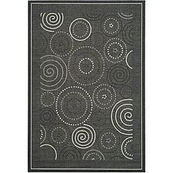 Safavieh Indoor/ Outdoor Ocean Black/ Sand Rug (6'7 x 9'6)