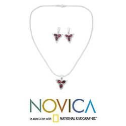 Sterling Silver 'Crimson Clover' Garnet Jewelry Set (India)