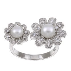 Kabella Sterling Silver Button Freshwater Pearl and Cubic Zirconia Ring (7 mm)