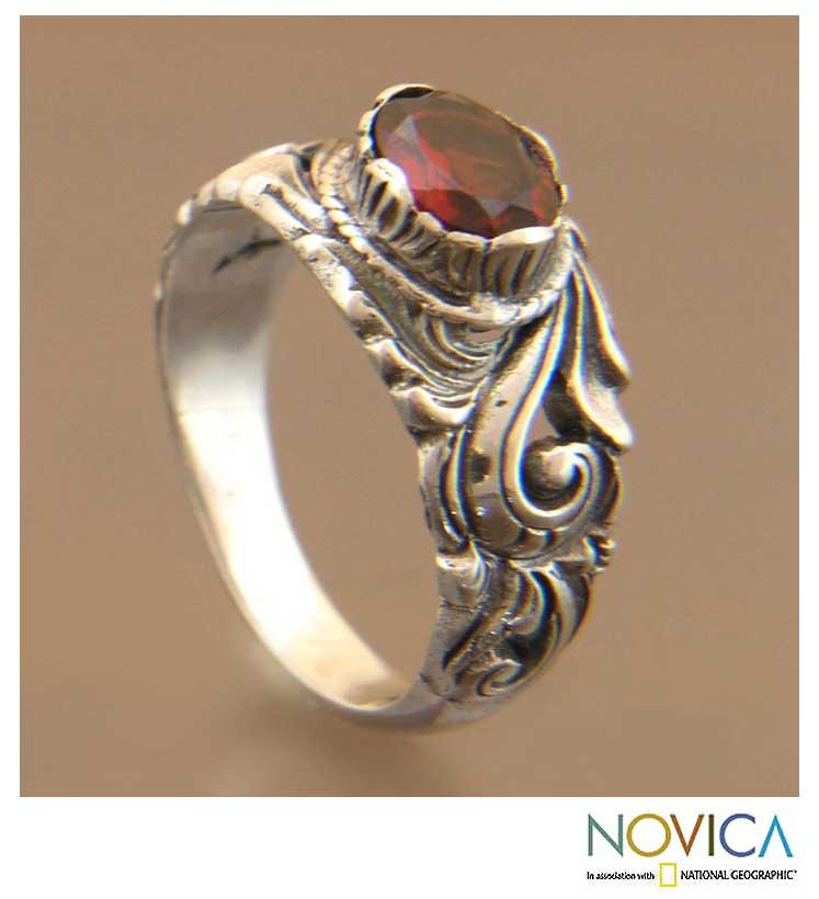 Sterling Silver 'Feminine Charm' Garnet Solitaire Ring (Indonesia)