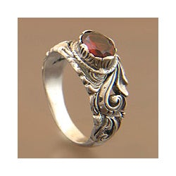 Sterling Silver 'Feminine Charm' Garnet Solitaire Ring (Indonesia)