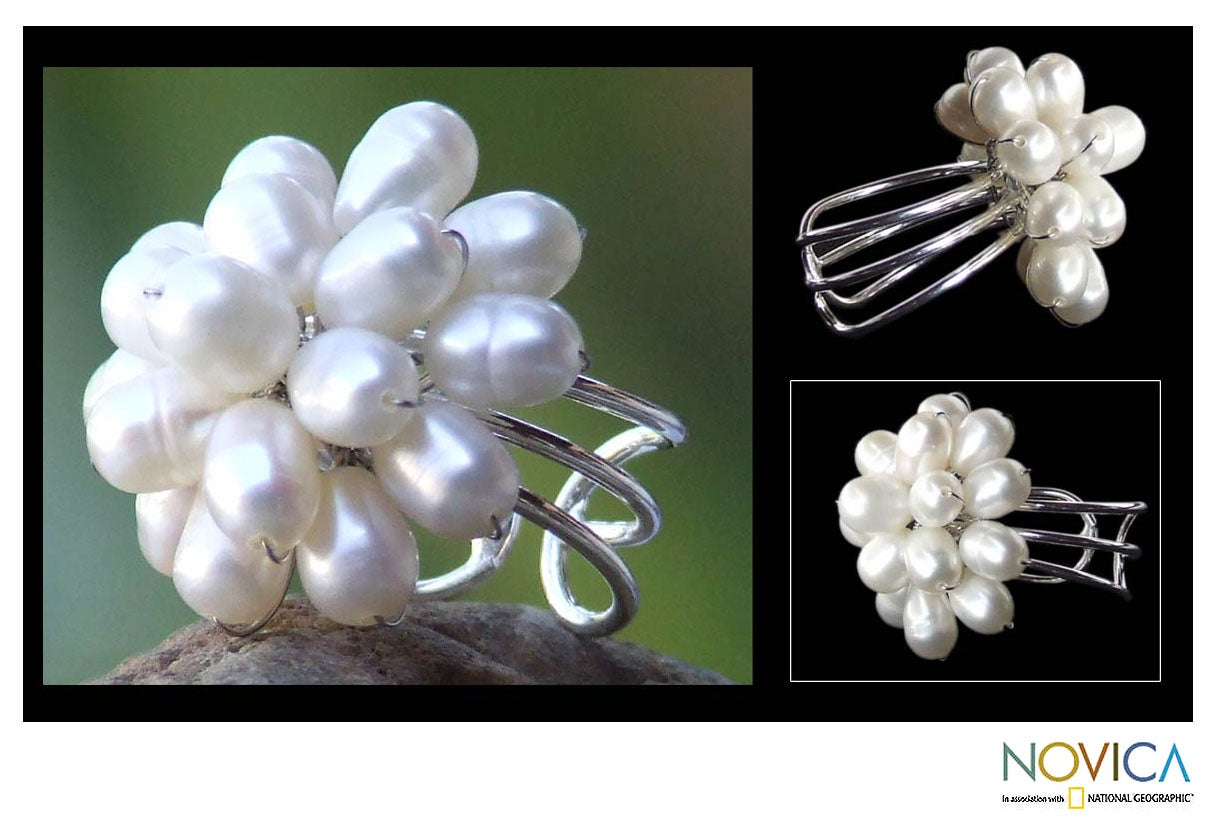 Silverplated Copper 'White Mum' Pearl Cocktail Ring (Thailand)