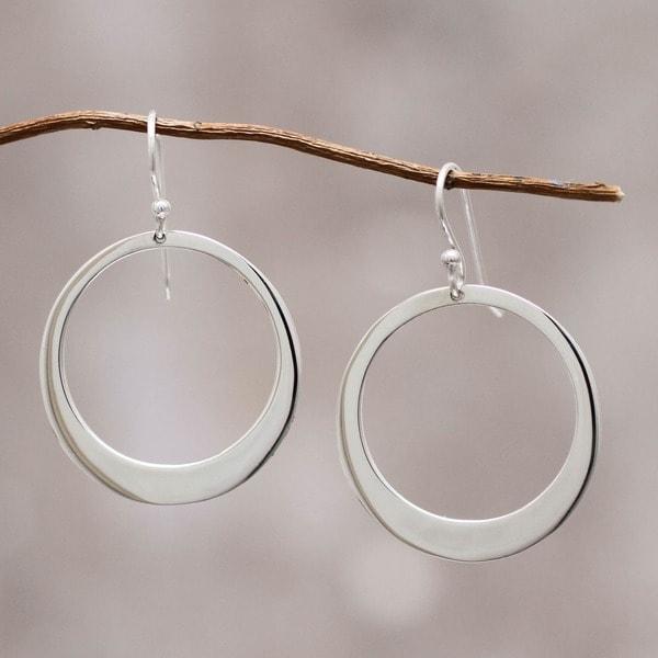 Handmade Sterling Silver 'Perfect Moon' Dangle Earrings (Peru)