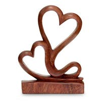 Handmade Suar Wood 'Two Hearts' Sculpture (Indonesia)