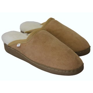 Amerileather Shearling House Slippers|https://ak1.ostkcdn.com/images/products/505051/505051/Amerileather-Genuine-Double-Faced-Shearling-House-Slippers-P932025.jpg?_ostk_perf_=percv&impolicy=medium