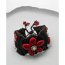 Handmade Cotton Red Coral and Pearl Flower Pull Bracelet (Thailand)
