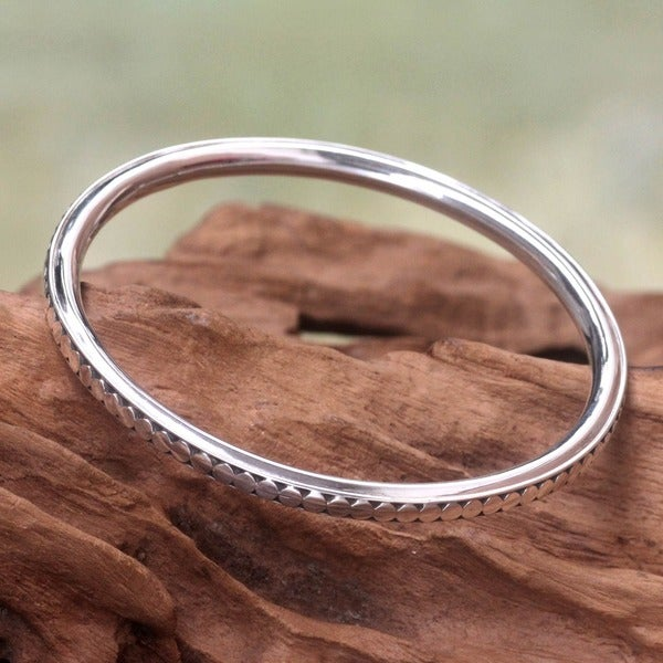 Moonlight High Polish Balinese Design 7.5 in Inner Circumference 925 Sterling Silver Bangle Womens Bangle Bracelet (Indonesia)