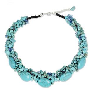 Handmade Beaded Gush Blue/Green Magnesite Beaded Necklace (Thailand)