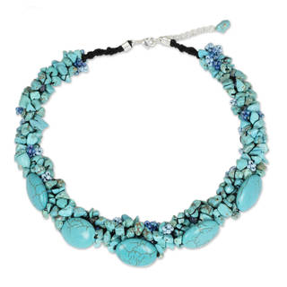 Handmade Beaded Gush Blue/Green Magnesite Beaded Necklace (Thailand)