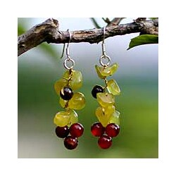 Handmade Tiger's Eye and Carnelian 'Breezy' Cluster Earrings (Thailand)