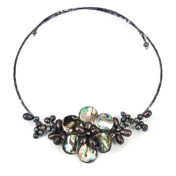 Handmade Memory Wire Black Pearl Cluster Flower Choker (Thailand)