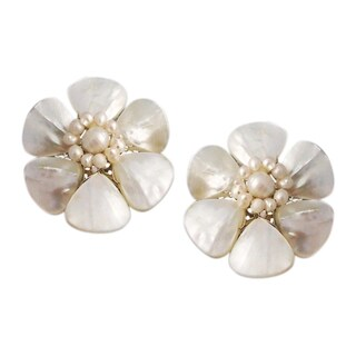 Handmade White Mother of Pearl Flower Clip-on Earrings (Thailand)
