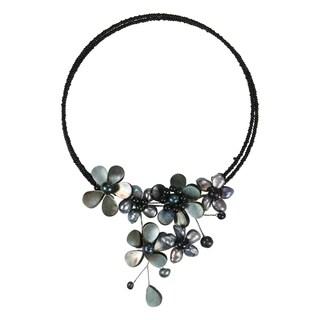 Handmade Multi Flower Black Pearl Cluster Choker Wrap Necklace (Thailand)