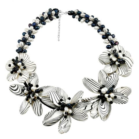 Handmade Modern Floral Hand Painted Mother of Pearl Necklace (Thailand)