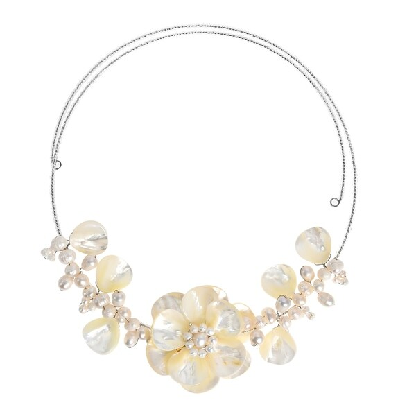 Handmade Memory Wire 'Sakura Flower' Pearl and Mother of Pearl Choker (Thailand) - White