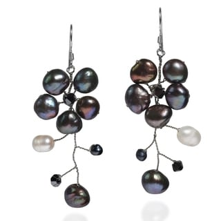 Handmade Sterling Silver Dreamy Nature Black Pearl Flower Earrings (Thailand)