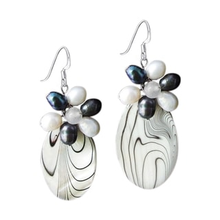 Handmade Sterling Silver Black/ White Pearl/Mother of Pearl Earrings (Thailand)