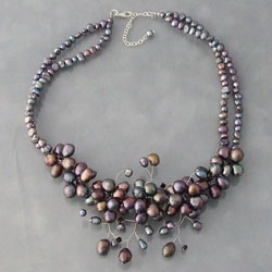 Handmade Stainless Steel Sakura Black and White Pearl Flower Necklace (Thailand)