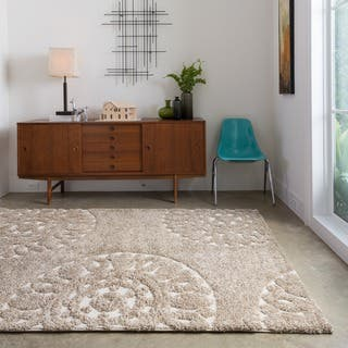 Jullian Beige Shag Rug (7'7 x 10'6)|https://ak1.ostkcdn.com/images/products/5106494/P12958636.jpg?impolicy=medium