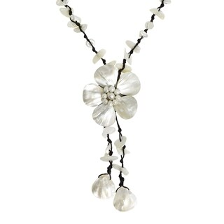 Handmade Cotton Mother of Pearl Shell/ Pearl Flower Rope Necklace (Thailand) - White