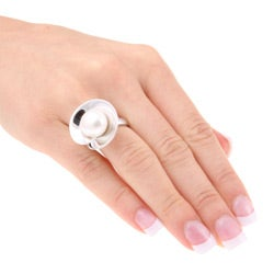 Kabella Sterling Silver White Freshwater Button Pearl Ring (11-12 mm)