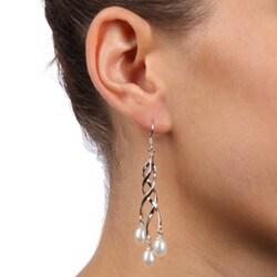 Kabella Sterling Silver Twist White Freshwater Pearl Earrings (6-7 mm) - Thumbnail 2