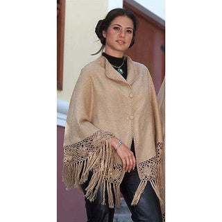 Handmade Flower of Peru Alpaca Wool Short Poncho (Peru)