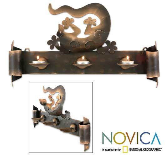 Handmade Iron 'Happy Gecko' Candleholder (Mexico)