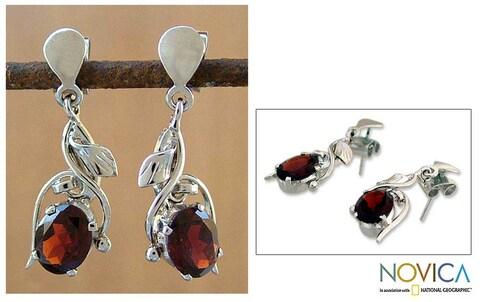 Handmade Sterling Silver Garnet Drop Earrings (India)