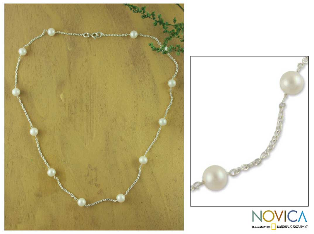 Handmade Sterling Silver 'Jaipur Moons' Pearl Necklace (6 mm) (India)