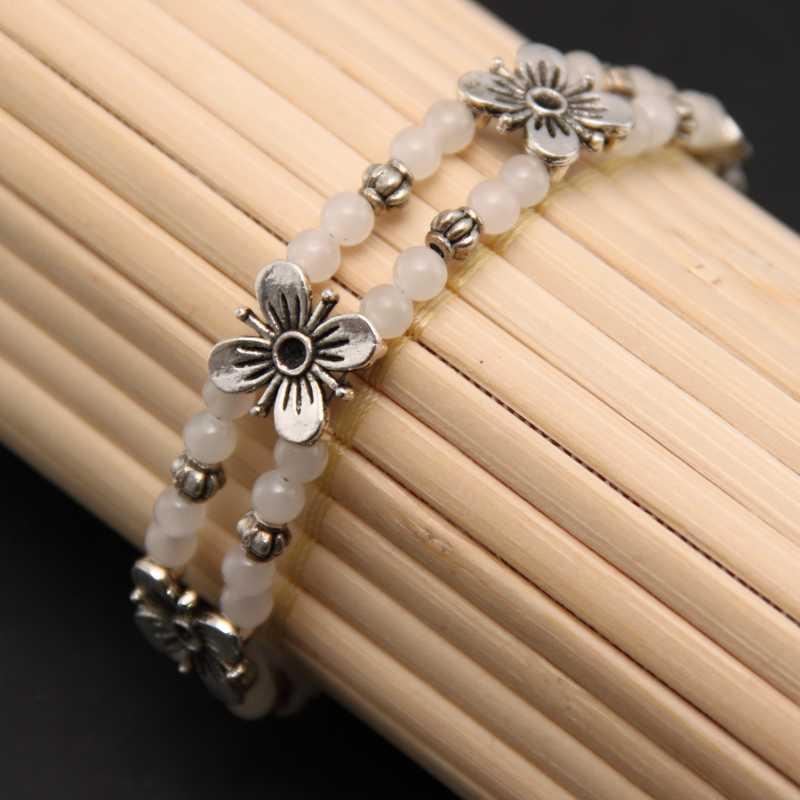 Handmade Tibetan Silver White Jade Floral Bracelet (China)