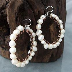 Handmade Sterling Silver Copper Wrap FW Pearl Hoop Earrings (4-6 mm) (Thailand)