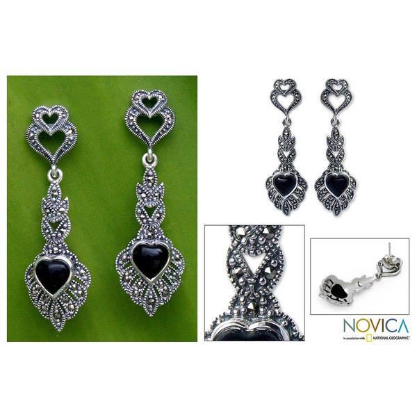 Handmade Silver 'Ornate Love' Marcasite and Onyx Heart Earrings (Thailand)
