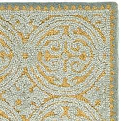 Safavieh Handmade Moroccan Cambridge Blue Wool Rug (2'6 x 10') - Thumbnail 2