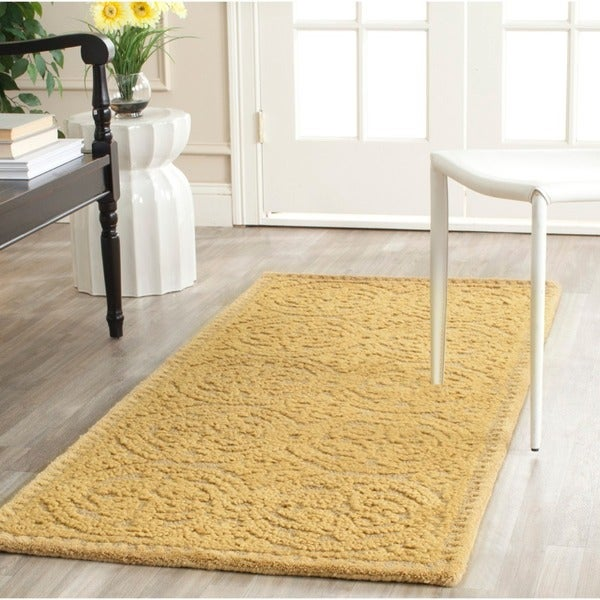 Safavieh Handmade Moroccan Cambridge Gold Wool Rug (2'6 x 12')