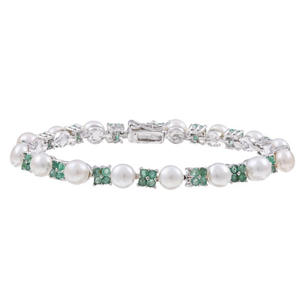 Dolce Giavonna Sterling Silver White Freshwater Pearl and Emerald Link Bracelet (6 mm)