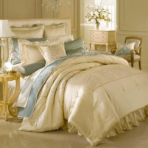 Shop Luxe Versailles Loire Iridescent Silk King Size 4 Piece Comforter Set Free