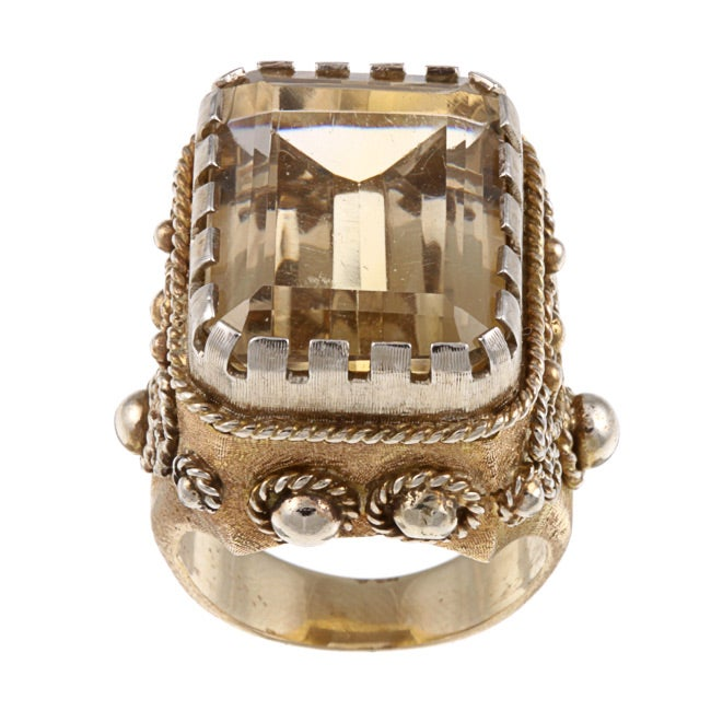 Pre-owned 14k Yellow Gold and Quartz Grecian Estate Ring (Size 7)