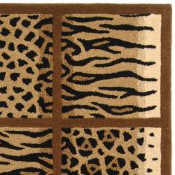 Safavieh Handmade Soho Jungle Print Beige N. Z. Wool Runner (2'6 x 12') - Thumbnail 1