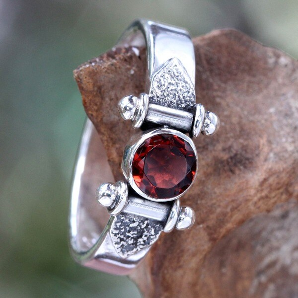Mystical Eye Rich Red Garnet Faceted Gemstone Set in 925 Sterling Silver Handmade Artisan Womens Fashion Ring (Indonesia)