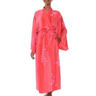 Handmade Women's Rayon 'Kissed By Crimson' Batik Robe (Indonesia)