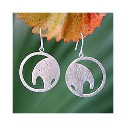 Handmade Sterling Silver 'Modern Elephant' Dangle Earrings (Thailand)
