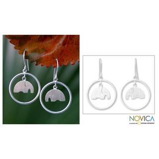 Handmade Sterling Silver 'Elephant Circle' Dangle Earrings (Thailand)