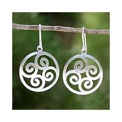 Handmade Sterling Silver 'Forest Fern' Dangle Earrings (Thailand)