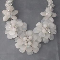 Sterling Silver Clear Quartz Five-flower Garland Necklace (Thailand)