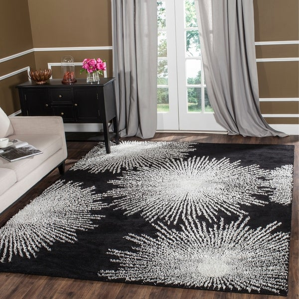 "Safavieh Handmade Soho Burst Black New Zealand Wool Rug - 8'3"" x 11'"