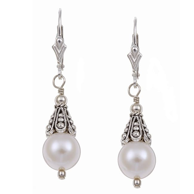 Lola's Jewelry Sterling Silver White Freshwater Pearl Earrings (8 mm)